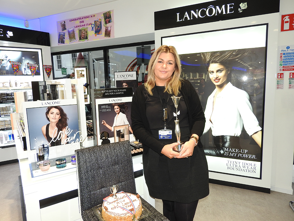 Aishling – our Award Winning Lancôme Consultant!